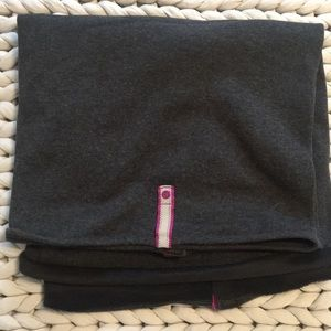 Lululemon fleece vinyasa convertible blanket scarf